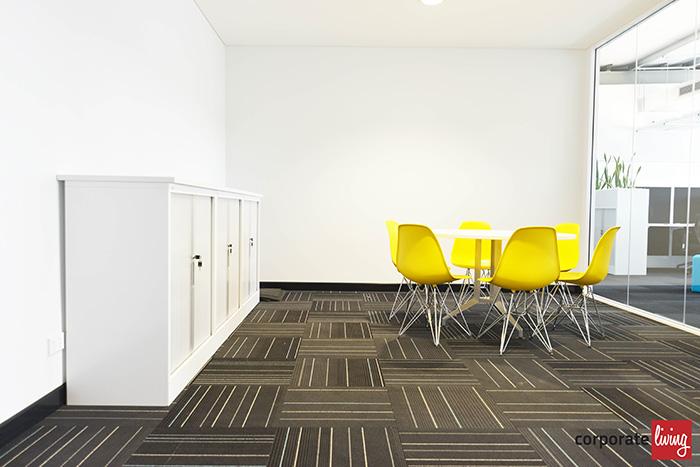 Kinspan_office_meeting_room_07